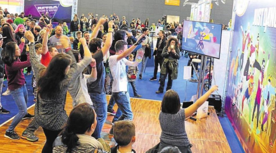 """""""Games for Families"""" – das Spieleevent für alle Generationen. In Halle 6 der afa2018 können Groß und Klein digitale und analoge Spiele nach Herzenslust und ohne Zeitdruck ausprobieren. Foto: afa-messe.de"""