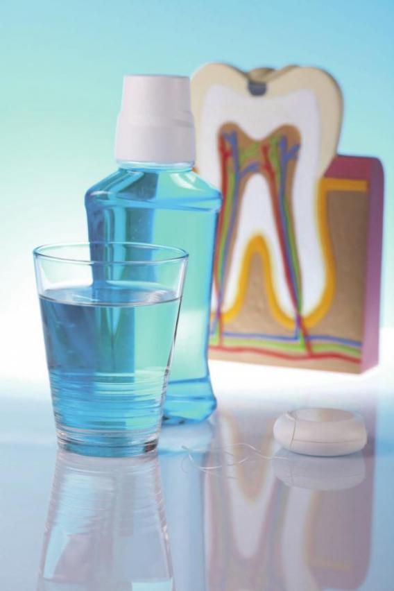 Zähne beeinflussen Gesundheit und Wohlergehen des gesamten Körpers. Die tägliche Reinigung ist das A und O. Foto: © janpietruszk / 123rf.de