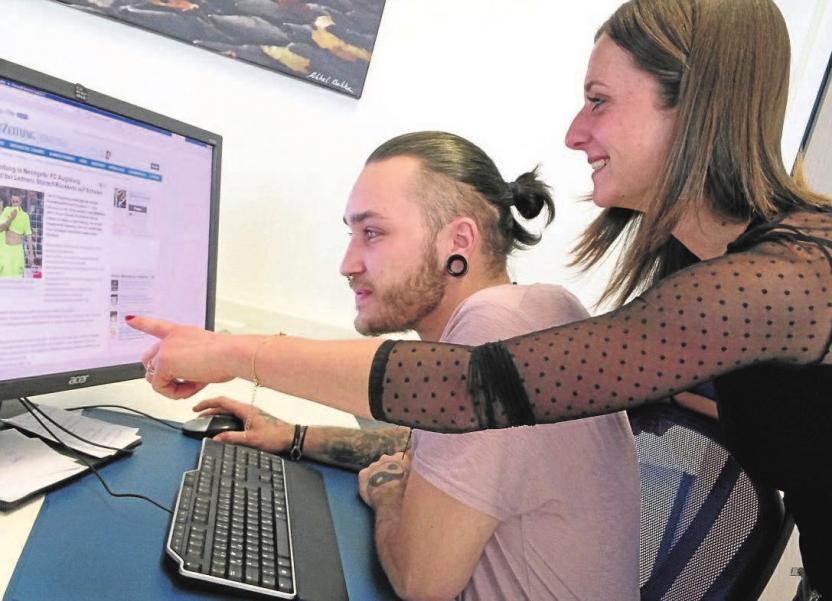 Die StaZ-Redakteure arbeiten inzwischen crossmedial, schreiben für print und online. Foto: Agnes Baumgartner