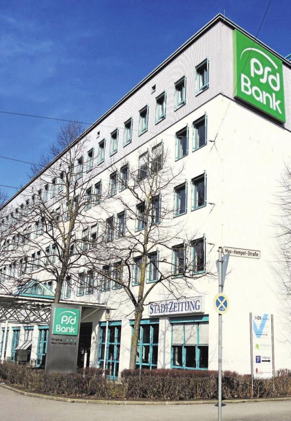 """Angefangen hat es mit einem ein Quadratmeter großen """"Büro"""". Die neue Geschäftsstelle der StadtZeitung Augsburg, gegenüber dem Plärrer im psd-Gebäude, hat mittlerweile 450 Quadratmeter."""