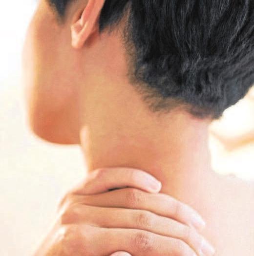 Psychische Probleme können Verspannungen im Nacken hervorrufen oder verstärken.Foto: djd/doc Schmerzgel/ImageSource